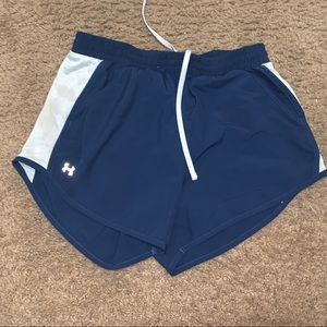 Blue under armour shorts with pockets